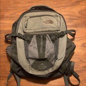 North Face Recon Backpack - Gray
